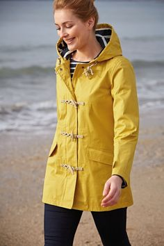 A long version of our best-selling raincoat! In Seasalt's famous Tin Cloth® fabric with lots of stylish details. Waterproof, windproof and breathable.