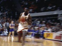 Basketball Is Life, Basketball Season, Basketball Legends, Basketball Players, Michael Jordan Pictures, Dominique Wilkins, Michael Jordan Chicago Bulls, Slam Dunk, Hawks