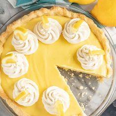 The Most Amazing White Cake Lemon Desserts, Lemon Recipes, Pie Recipes, Dessert Recipes, Lemon Cakes, Italian Desserts, Fruit Recipes, Food Cakes, Lemon Cream Pies