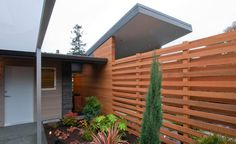 Love this fence idea, and it looks good from both sides