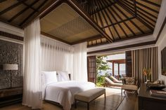 Stunning luxury interior design ideas from modern boutique hotels. Lobby, bedroom, stairways and entryways, a room by room guide to finding inspiration with the best interior architecture from world renowned hotels. Bali Bedroom, Home Decor Bedroom, Tropical Bedrooms, Tropical Houses, Luxury Interior Design, Interior Architecture, Resort Interior, Room Interior, Hotel Decor