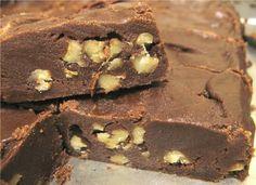 Receita de Brownie aos 3 chocolates. Enviada por Livia Cimini e demora apenas 30 minutos.