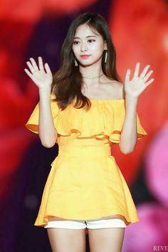 Twice-Tzuyu 180801 Korea Music Festival Nayeon, Kpop Girl Groups, Korean Girl Groups, Kpop Girls, Stage Outfits, Kpop Outfits, Fashion Outfits, Kpop Fashion, Tzuyu Body