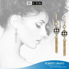 Siyah ve beyazın kusursuz beraberliği. // Perfect unity of black and white. // Совершенное сочетание черного и белого.   #RobertoBravo #inspiring #Jewellery #Gold #Diamond #Shopping #Style #Fashion #Love #Jewelry #Extraordinary #Marsala #Awsome #Woman #PiedDePoule #BlackWhite #collection