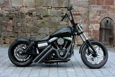 street bob - on my Christmas list! mine will definitely have the Apes & a pan seat. love the pipes too