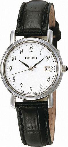 Seiko Dameshorloge met Saffierglas SXDA13P1. Kaliber 7N82. Het horloge heedt een zilver en klassiek uiterlijk en de wijzerplaat is uitgevoerd met Arabische cijfers. Met dat harde en nagenoeg krasvrije saffierglas en 2 jaar garantie. Het horloge heeft een zwarte leren band, een  parelmoerkleurige wijzerplaat en weegt slecht 18 gram. Uitgevoerd met een zwarte leren band. Een elegant horloge die spatwaterdicht is.