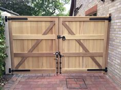 Driveway Fence, Backyard Gates, Diy Fence, Wooden Driveway Gates, Double Wooden Gates, Wooden Garden Gate, Double Gate, Building A Fence Gate, Fence Gate Design