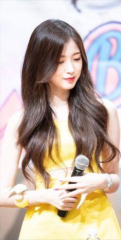 #arin South Korean Girls, Korean Girl Groups, Arin Oh My Girl, Pin Pics, Kpop Girls, Mini Albums, Ulzzang, Cute Girls, Idol