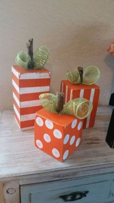 Beautiful Fall Rustic Decoration Ideas For Your Home 38 Fall Wood Crafts, Halloween Wood Crafts, Wood Block Crafts, Pumpkin Crafts, Thanksgiving Crafts, Fall Halloween, Holiday Crafts, Wood Blocks, Wood Pumpkins