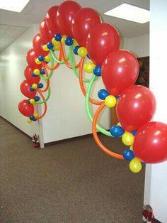 Arco sencillo Balloon Columns, Balloon Arch, Balloon Ideas, Balloon Display, Balloons And More, Big Balloons, Ballon Decorations, Birthday Decorations, Party Ballons