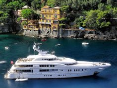 Here's a 3 deck luxury yacht in Portofino Italy Yacht Luxury, Luxury Travel, Super Yachts, Yachting Club, Bateau Yacht, Portofino Italy, Charter Boat, Yacht Boat, Water Crafts