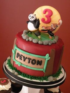Kung Fu Panda cake By cakechickdani on CakeCentral.com