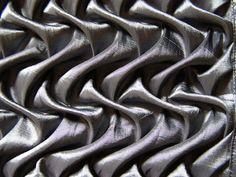 Fabric Manipulation textile textures, three-dimensional pattern creation // Roslyn Moreton