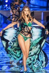 The victorias secret fashion show 2015 tmns Fashion Shows 2015, Fashion Models, Victorias Sectret, Gigi Hadid 2014, Victoria Secret Fashion Show, Celebs, Celebrities, Like4like, Wonder Woman