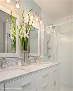 Unique Tips Can Change Your Life: Bathroom Remodel Shower With Seat bathroom remodel vanity benjamin moore.Simple Bathroom Remodel Walk In Shower bathroom remodel walls paint colors.Mobile Home Bathroom Remodel Crown Moldings. Bad Inspiration, Bathroom Inspiration, Bathroom Light Fixtures, Bathroom Lighting, Cabinet Lighting, Kitchen Lighting, Bad Styling, Bathroom Renos, Bathroom Ideas