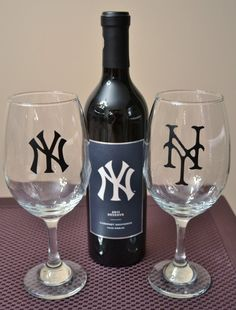 NY Wine Glass Set by YourSweetEscape on Etsy
