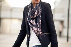 Wendy Nguyen of Wendy's Lookbook (Blog / YouTube Channel) shows us how to stylishly tie a scarf 25 different ways, in less than five minutes. Wendy's video took the Internet by storm in 2011, pulling
