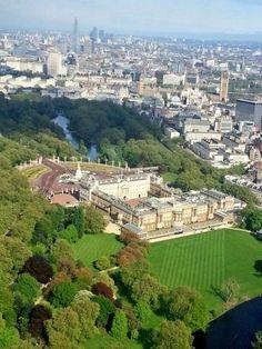Buckingham Palace, Parliament, London Eye and the Shard.
