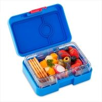 NEW MiniSnack for easy healthy snacks on the go. Yumbox MiniSnack is the perfect snack box for school, daycare, park and travel. Small Food, Small Meals, Snack Box, Bento Box Lunch, Lunch Snacks, Clean Eating Snacks, Healthy Eating, Gourmet Recipes, Healthy Recipes