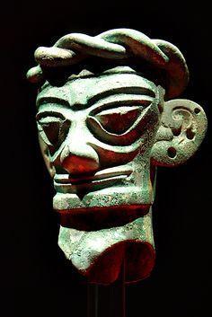 Sanxingdui bronze mask