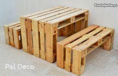 mesa e bancos em paletes de madeira