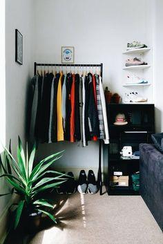 Bedroom Setup, Room Ideas Bedroom, Small Room Bedroom, Home Decor Bedroom, Mens Room Decor, Men Home Decor, Bedroom Rustic, Bedroom Art, Hypebeast Room
