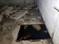 Atlantikwall Regelbau Bertha - Commando Bunker for Luftwaffe Night Fighter From World War 2 Bunker Home, Secret Bunker, Bunker Hill Monument, Doomsday Bunker, Underground Shelter, War Image, Places In Europe, Red Army, Fortification