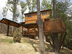 Pigeon Forge Cabin - Campfire Memories - 3 Bedroom - Sleeps 10 - Home Theater - Fire Pit - Home Theater
