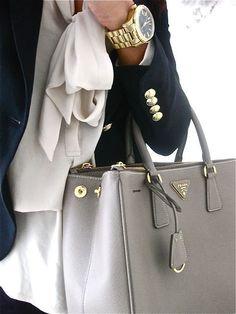 To start off with, these handbags are beautifully styled. Although a lot of…  Diese und weitere Taschen auf www.designertaschen-shops.de entdecken