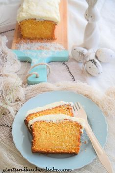 Möhren-Kokos Kuchen mit Frischkäsefrosting Cornbread, Vanilla Cake, Easter, Ethnic Recipes, Desserts, Food, Cake With Cream Cheese, Pies, Food And Drinks