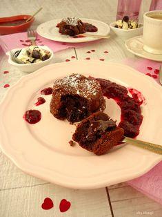 Ciastka z wypływającym środkiem, ciastka czekoladowe, ciasto czekoladowe, ciasto na walentynki, ciastka na walentynki, walentynki pomysły Eat, Food, Essen, Meals, Yemek, Eten