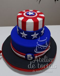 TORTA CAPITAN AMERICA Captain America Birthday Cake, Captain America Party, Pastel Capitan America, 3d Cake Tutorial, Marvel Cake, Superhero Cake, Baking And Pastry, Cakes For Boys, Party Cakes