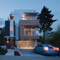 """JW Architects design a home in Seattle with sweeping views of Lake Washington JW Architects have designed the Leschi Dearborn House in Seattle, Washington. The designer's description """"This home is. Residential Architecture, Contemporary Architecture, Architecture Design, Seattle Homes, Prefab, Modern House Design, Exterior Design, Modern Exterior, Luxury Homes"""