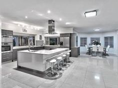 Modern galley kitchen design using tiles - Kitchen Photo 1332859