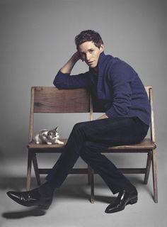 Eddie-Redmayne-2015-Photo-Shoot-Harpers-Bazaar-UK-Kitten-Picture-002