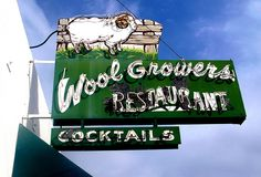 Woolgrowers - A Basque restaurant in Bakersfield, CA.where we have more Basque restaurants than anywhere else in rhe U. Who knew? Kern County California, Bakersfield California, California Dreamin', Sign O' The Times, Neon Moon, Building Signs, Vintage Neon Signs, Central Valley, Old Signs