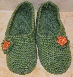 Perle di Mary Carmen: Babucce verde con fiore