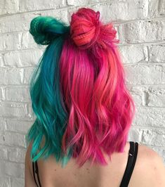 We're still obsessed with this look by from our Pulp Riot lab with and ✨ We're still obsessed with this look by Ashley Sutherland.hair from our Pulp Riot lab with RubyDevine devine and ✨ Ashley Sutherland. Pastel Hair, Pink Hair, Pastel Mint, Pastel Colors, Mint Green Hair, Half And Half Hair, Half Colored Hair, Pelo Multicolor, Split Dyed Hair