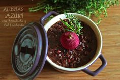 Esta semana vamos a cocinar un guiso muy saludable en rojo y morado con alubias azuqui o adzuqui, remolacha, col lombarda, cebolla roja y rabanitos. Valoración por nutricionistas de Medicadiet Alub...