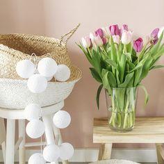 VT Wonen Old Pink wall color. Pink Walls, Nars, Glass Vase, Basket, Colours, Site, Inspiration, Instagram, Home Decor