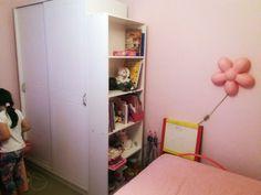 Βιβλιοθήκη σε χρώμα λευκό Ladder Bookcase, Shelves, Blog Tips, Home Decor, Shelving, Decoration Home, Room Decor, Shelving Units, Home Interior Design