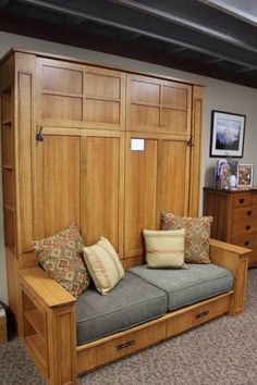 Decorate your room in a new style with murphy bed plans Murphy Bed With Sofa, Murphy Bed Desk, Modern Murphy Beds, Murphy Bed Plans, Diy Murphy Bed, Murphy Bunk Beds, Box Bed, Diy Sofa, Bed Wall