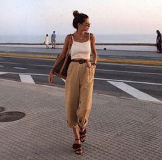 Best Aesthetic Clothes Part 29 Holiday Outfits, Spring Outfits, Girl Outfits, Casual Outfits, Cute Outfits, Fashion Outfits, Fashion Trends, Cozy Fashion, Daily Fashion