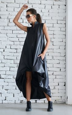 Unique Maxi Black Dress with pockets  Perfect choice for everyday wear or special events! This Oversize Dress looks great with heels or…
