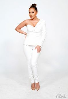 Tamera Mowry-Housely, Jeannie Mai, Loni Love, and Adrienne Houghton rock new outfits this Friday! Jeannie Mai, Tamera Mowry, Adrienne Bailon, New Outfits, White Jeans, Stylish, Sexy, Pants, Friday