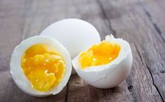 Some studies have shown that eating two eggs a day can boost your health. Including 2 eggs in your every day diet can lower the bad cholesterol in your body, wh Healthy Recipes, Healthy Fats, Superfood, Sport Food, Types Of Eggs, Home Beauty Tips, Substitute For Egg, Nutritional Value, Home Food