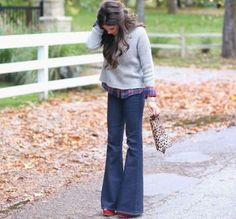 Ti piacciono i pantaloni a zampa ma non sai come indossarli al meglio per realizzare dei look stilosi? Scopri i nostri importantissimi consigli e saprai mettere a punto degli outfit perfetti.