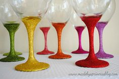 Love these glittered wine glasses