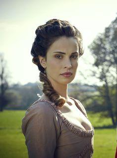 Heida Reed as Elizabeth Chynoweth in Poldark (TV Series, 2015).