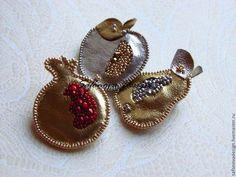 """""""Gold&Silver Harvest"""" - серебряный,золотой,красный,серый,фрукты,яблоко"""